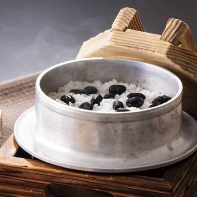 多古米こしひかり煎り黒豆御飯