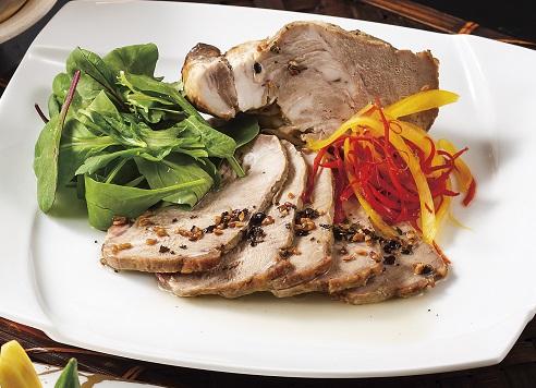 〈7月 平日限定〉豚肉の低温ロースト 黒豆茶ソース