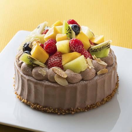 チョコレートケーキ(写真は4号にフルーツ増量+500円)