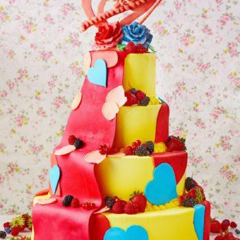 ウエディングケーキは完全オーダー制!