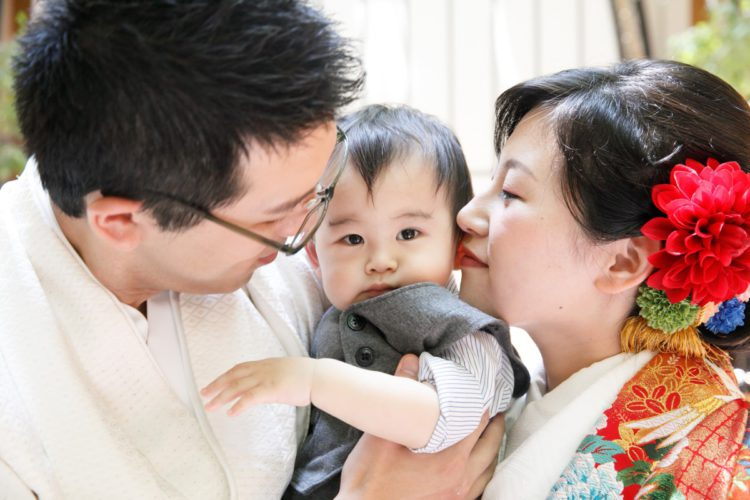 和装人前式で折鶴シャワー♪お子様も一緒で幸せいっぱい!